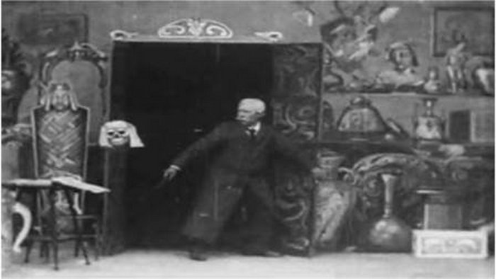 Кадр из фильма «Лавка с привидениями»
