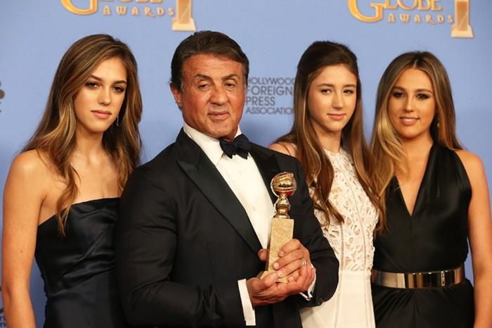 Сильвестр Сталлоне и его обворожительные дочери София, Систин и Скарлетт Сталлоне.