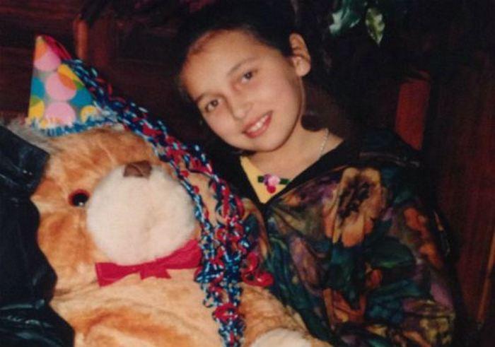 Девочка росла как маленькая принцесса.