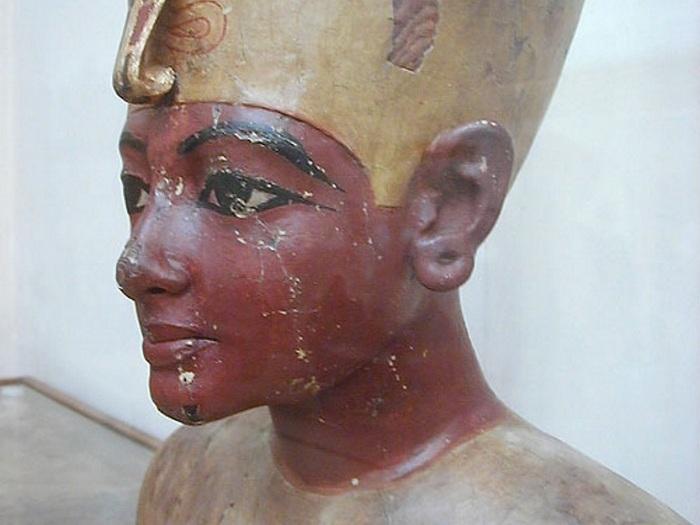 Тутанхамон - отрёкшийся от атенизма.