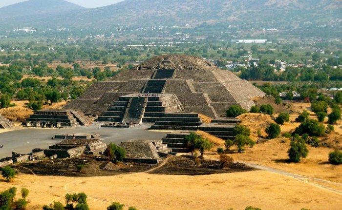 Пирамида в городе Теотиуакан.