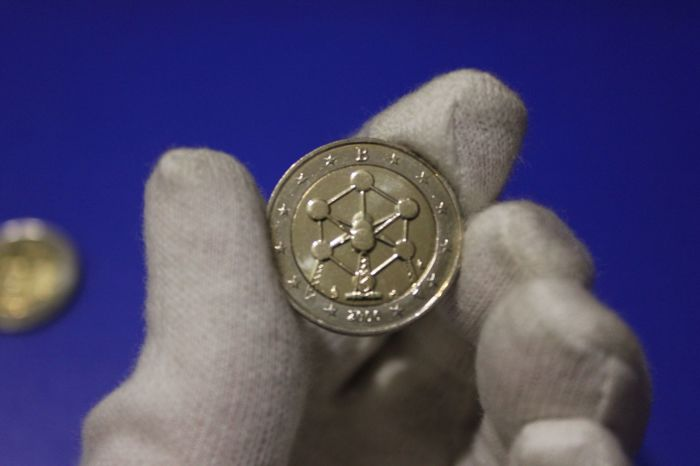 «Атомиум» на монете 2 евро.