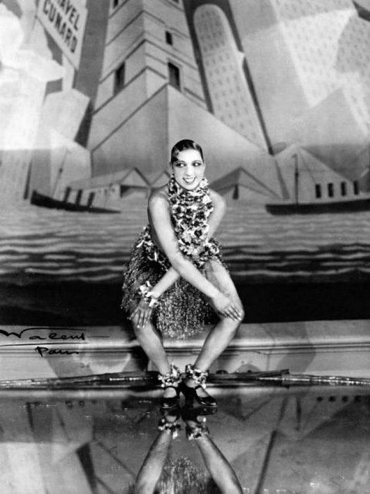 Бейкер танцует чарльстон, 1926