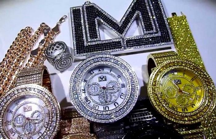 Искусственные алмазы полностью идентичны натуральным.