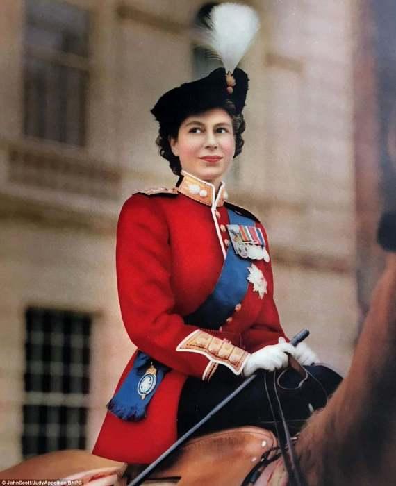 С этой фотографии началась работа Джона Скотта с королевской семьей.