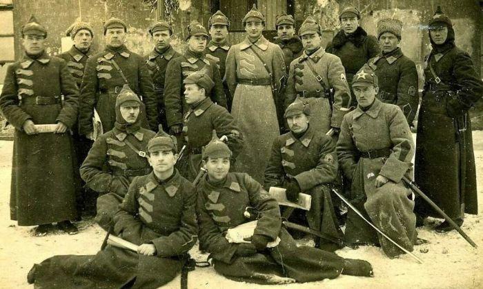 В 1940 году в Красной Армии отменили буденовки.