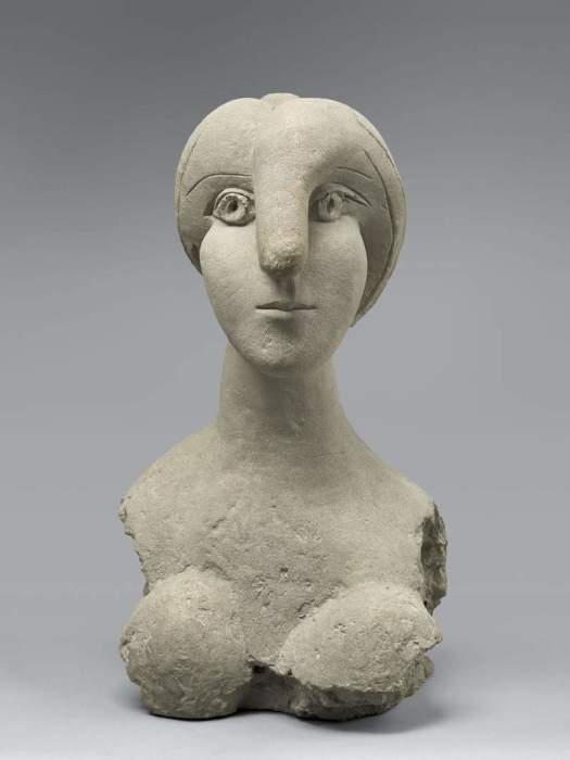 Женский бюст работы Пикассо.