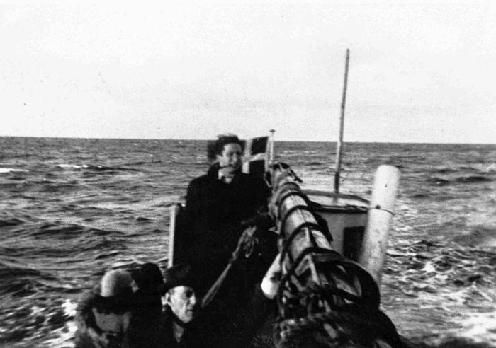 Во время перевозки датских евреев в Швецию.