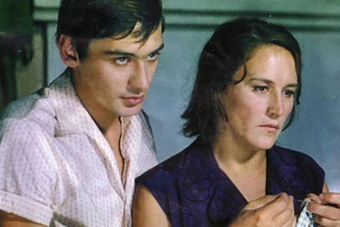 Владимир - единственный сын Нонны Мордюковой и Вячеслава Тихонова.