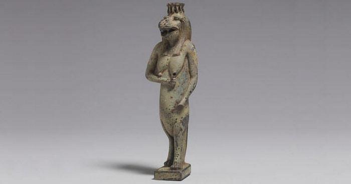 Таурт - богиня-бегемот.