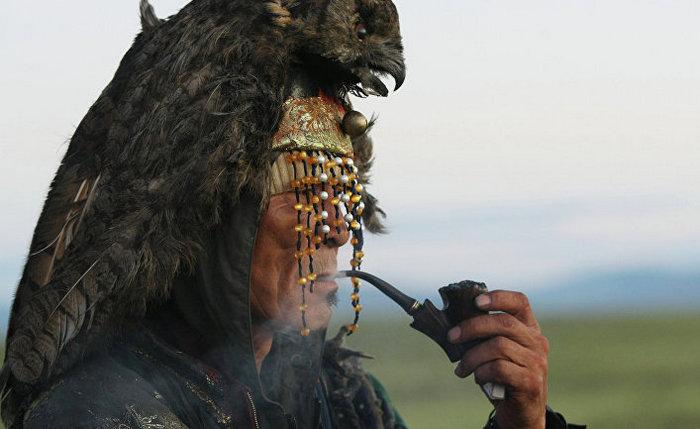 Самый настоящий шаман.