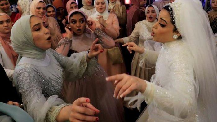 Свадьба в Египте. Танцуют все! Только отдельно.