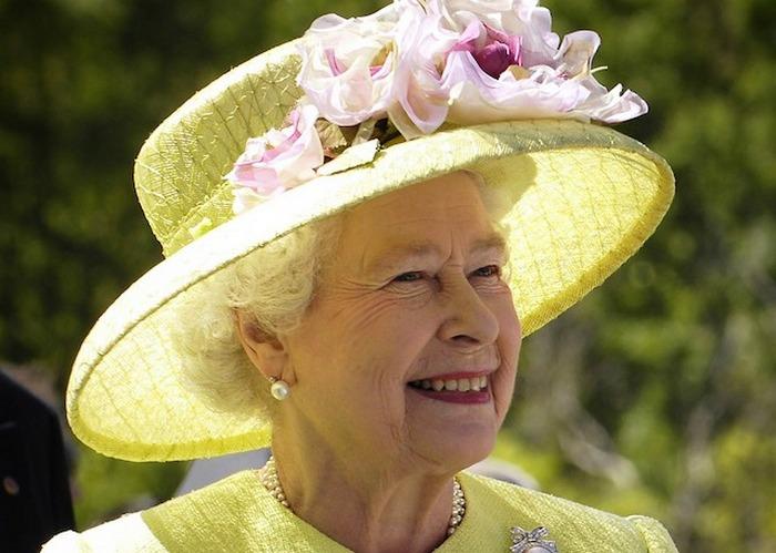 Кололева Елизавета II.