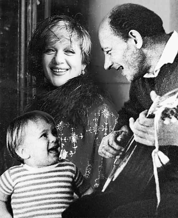 Одной семьёй Галина Волчек, Евгений Евстигнеев и их сын Денис прожили меньше 10 лет.