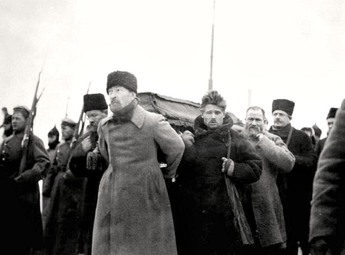 Дзержинский на похоронах Ленина.