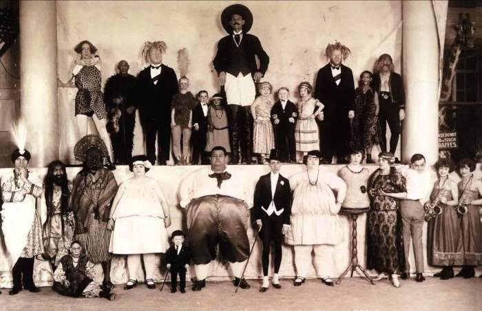 «Цирк уродов»: Как складывались судьбы людей, которые выступали в фрик-шоу.