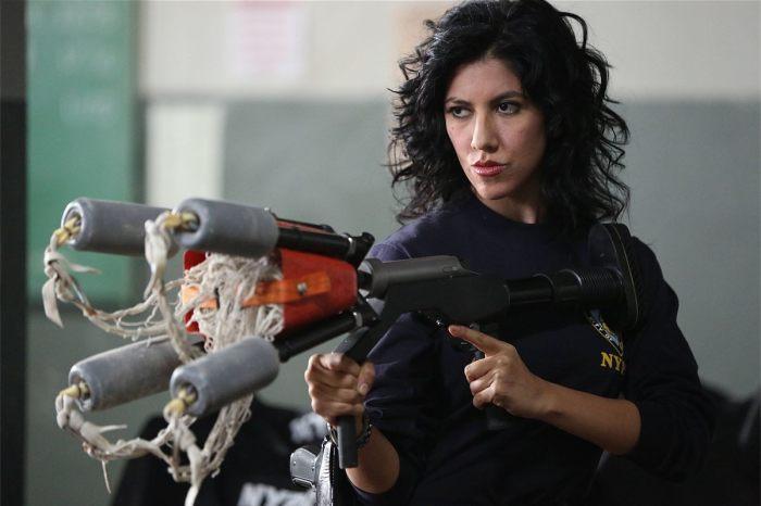 Стефани Беатрис в сериале «Бруклин 9-9».