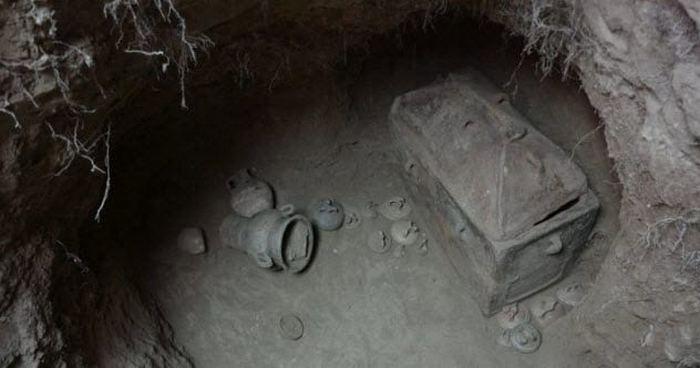 Минойская могила.