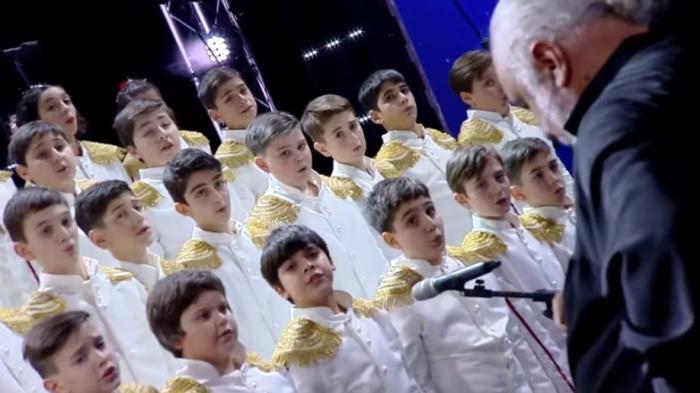 «Богемская рапсодия» Queen в исполнении грузинского детского хора