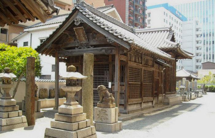 Храм Рюгудзи в Японии .