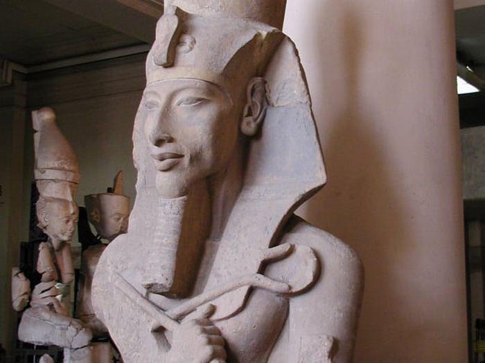 В Древнем Египте власть скреплял инцест.
