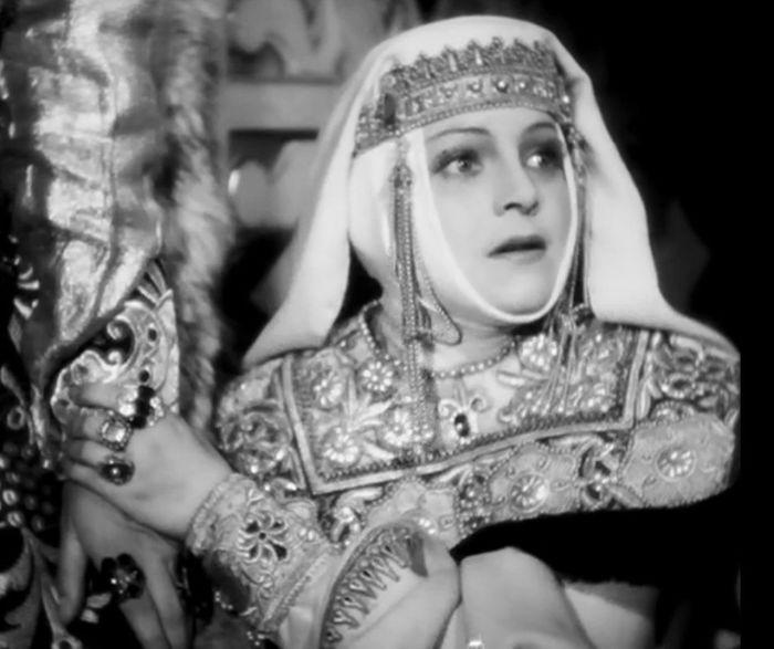 Кадр из фильма. Анастасия Захарьина - Юрьева, первая жена Ивана IV .