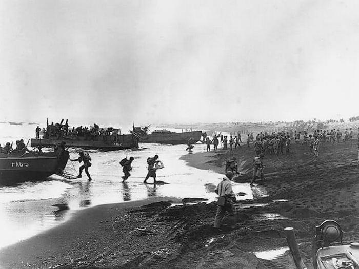 Канадское правительство мобилизовало солдат для освобождения Атту и Кыска.