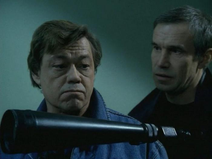 Караченцов в роли детектива Дубровского.