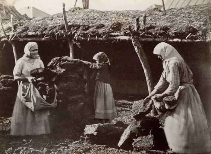 Донские казачки. XIX век. Фото Ивана Болдырева.