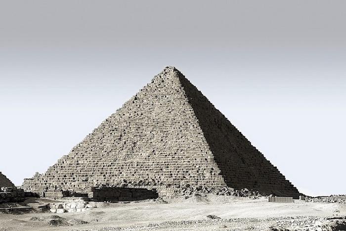 В Египте целовать кого-то в губы - это одна из форм прелюдии.