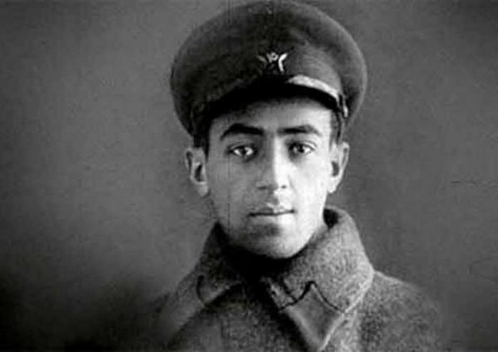 Владимир Этуш в годы войны.