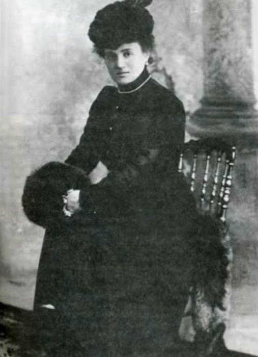 Мария Пуаре в юности.