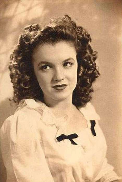 Норма Джин Бейкер.