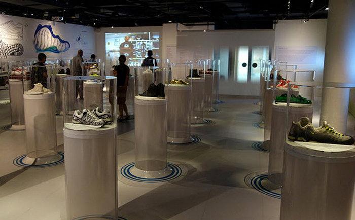 Музей обуви Бата. Торонто, Канада