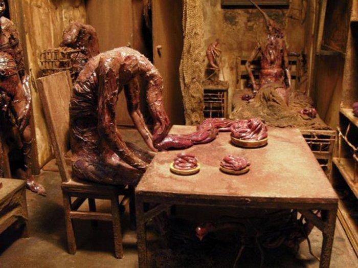 Марк Пауэлл - художник, рисующий ужасы.