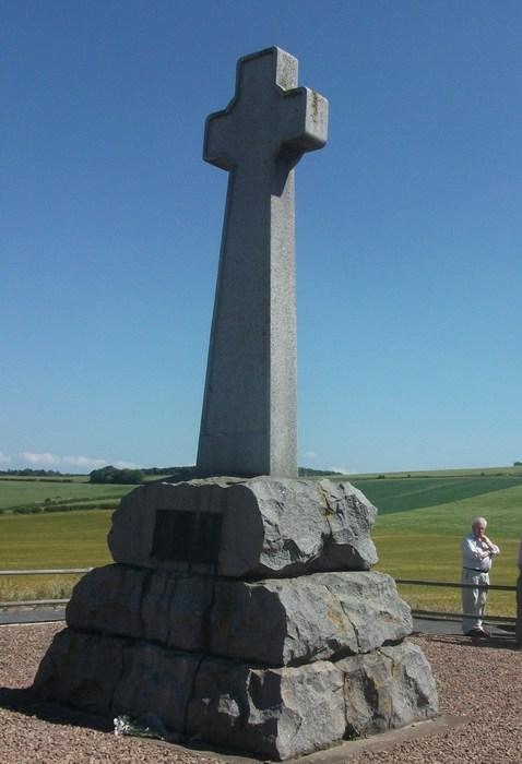 Памятник на месте Флодденского сражения.