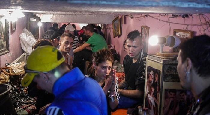 Сироты Бухареста в подземелье.