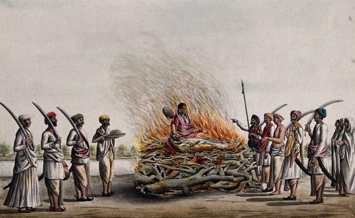 Когда жену сжигают вместе с мужем на костре.
