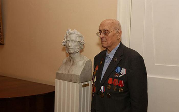 Сергей Пушкин в квартире-музее своего предка на Арбате.