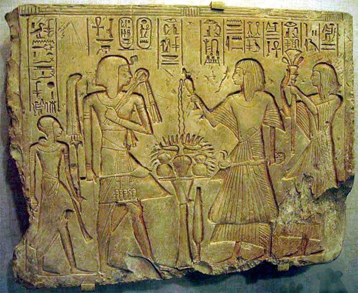 10 археологических открытий, которые изменили мнение историков о древних артефактах.