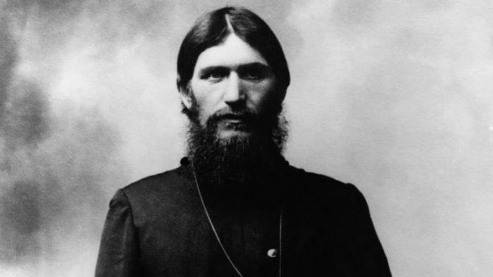 Григорий Распутин - то ли святой, то ли безбожник.