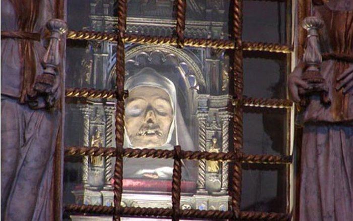 Голова Святой Екатерины Сиенской.