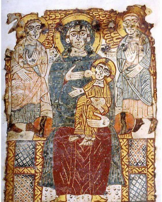 Древняя икона с изображением кормящей Девы Марии.