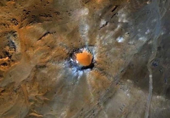 Метеориты и кратеры.