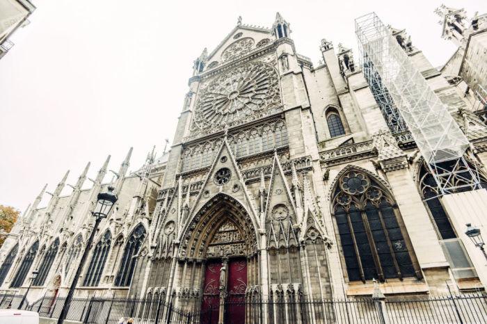 Самый известный собор во Франции.
