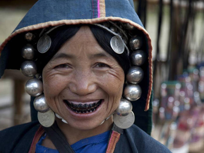 Какой косметикой пользовались женщины прошлого, и почему она была опасна для жизни.