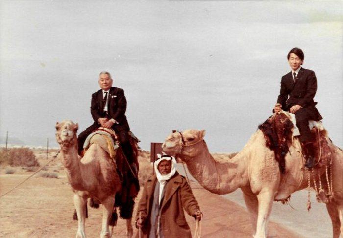Тиунэ и его сын Нобуки в Израиле, декабрь 1969 года.