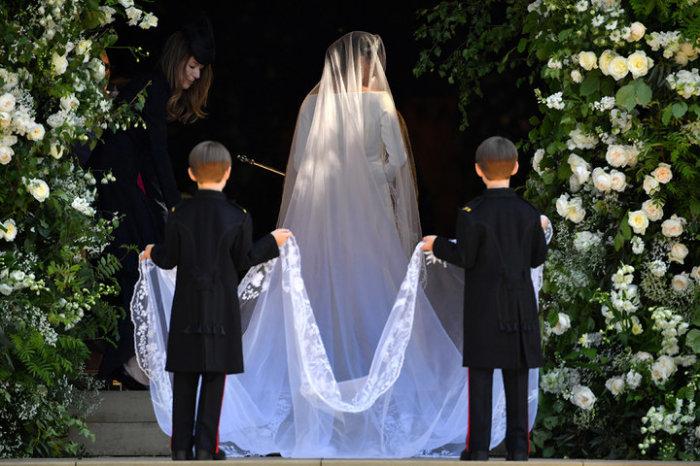 10 королевских свадеб, которые вошли в историю, потому что на них что-то пошло не так.