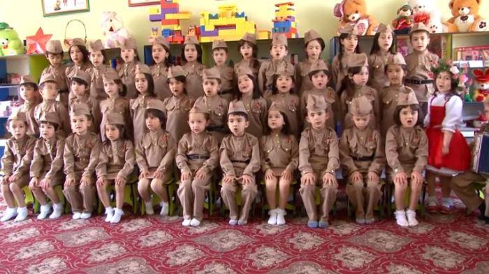 Воспитанники детского сада посёлка Гулякандоз Согдийской области Таджикистана.