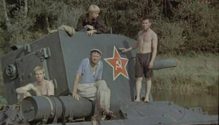 Кадр из фильма «Танк Клим Ворошилов-2».
